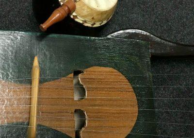 Eco-Musica. Laboratorio di costruzione di strumenti a corda con materiali di riciclo